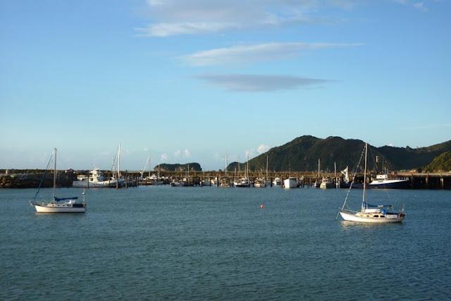 Viajar por mar puede ser una estupenda manera de conocer Golden bay en Nueva Zelanda