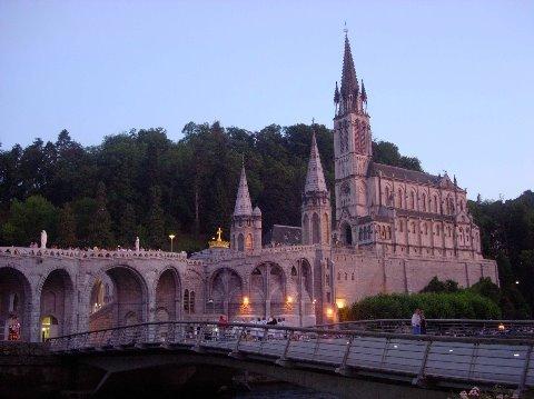 Capvespre a Lourdes