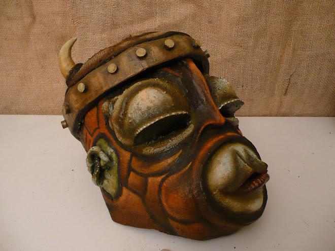 Masque de singe catcheur médiéval