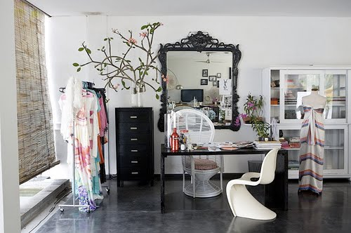 http://2.bp.blogspot.com/_SIulX4JBgc4/TL-dKvQCfxI/AAAAAAAAATg/lFIzYoj9q_M/s1600/Dressing+Room+cocokelley