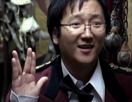 James Sugiura [& accessoirement Hiro Narazaki] Hiro-vulcan-salute1