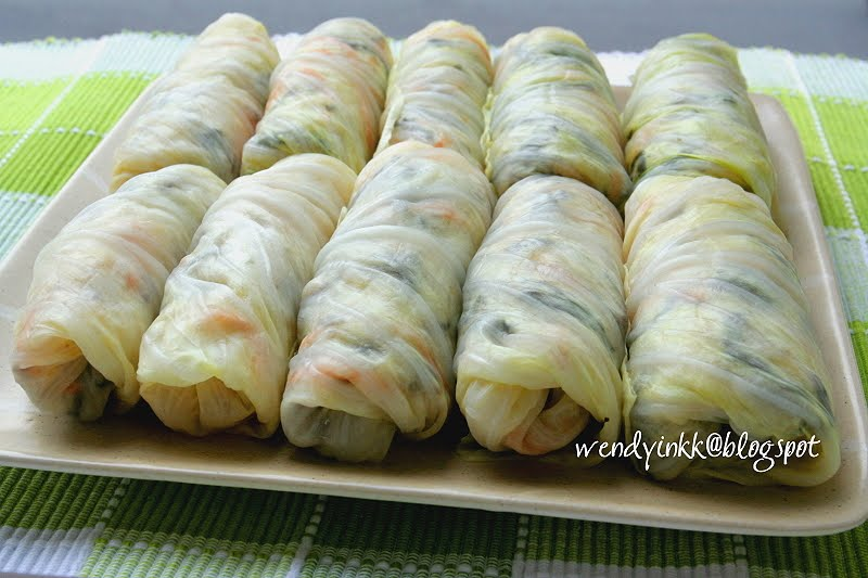 Table for 2.... or more: Cabbage Veggie Rolls