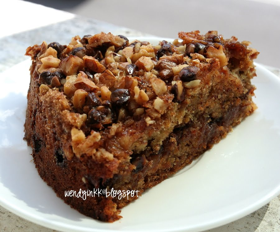 Apple Cake With Chocolate Chip And Streusel Topping