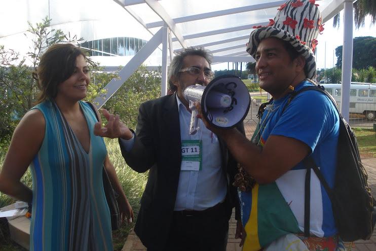Entrevistando na Rádio NossaCasa galera do Ministério da Cultura (Fred e Alcione)