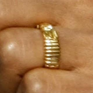 Cincin Kawin  Barack obama ternyata ukiran emas dari Indonesia