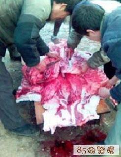 Pesta pemotongan dan makan wanita VIRGIN dan SEXY sahaja!! (18sx)  Masyarakat+Kanibal+Pemakan+Daging+Wanita+di+Cina4