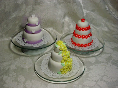 Mini-Wedding Cakes