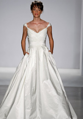 pocket wedding dress
