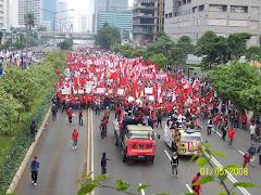 Lawan Imperislisme-Tinggalkan Nasionalis Gadungan; Bangun Kekuatan Buruh dan Rakyat Miskin