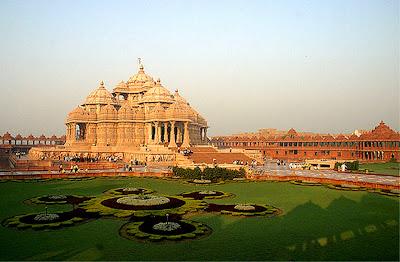 http://2.bp.blogspot.com/_SOS_lvXrLrc/SBdsMu1mRnI/AAAAAAAAAIw/iiQMDoJHLf4/s400/Swaminarayan+Akshardham+Temple.jpg