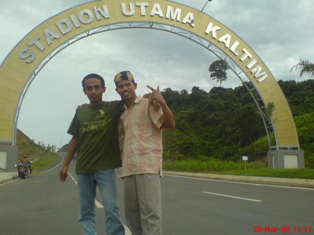 Di gerbang stadion utama kaltim
