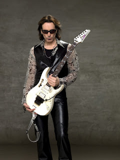 Holding the Guitar - Steve Vai