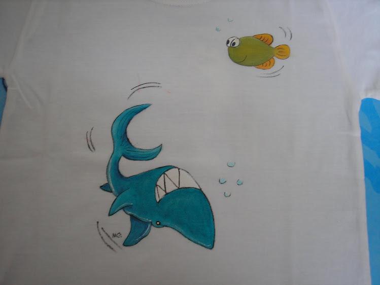 Mais uma t-shirt com peixes