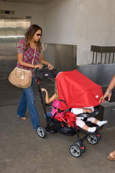 USA : une poussette enfants rapprochés (Joovy Caboose) - Page 2 Md