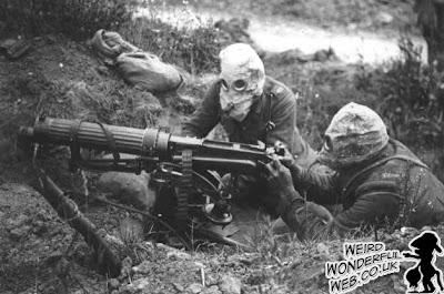 IMAGE: British WWI machine gunners