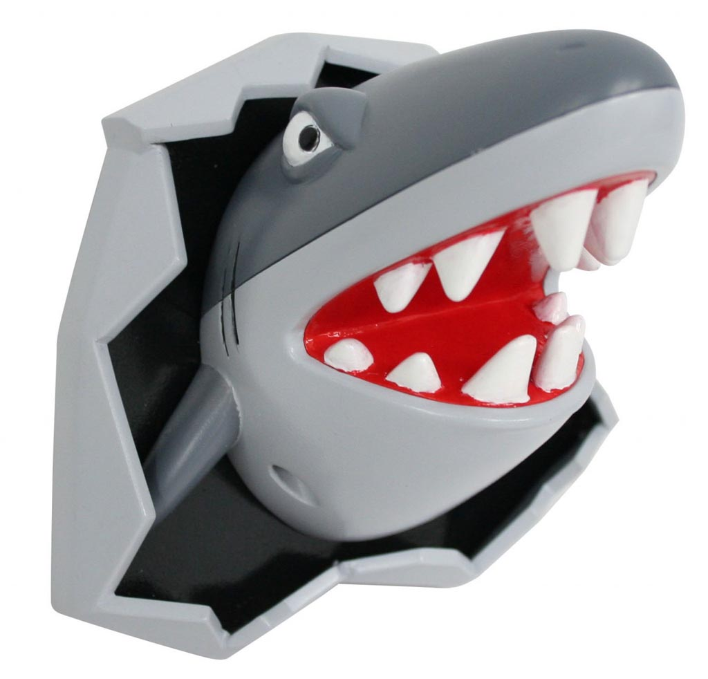 http://2.bp.blogspot.com/_SWy8QpuFEUI/TT5pvt8PqVI/AAAAAAAAAGc/WbELrexKLQc/s1600/shark_bottle_opener_doubled_as_terrible_fridge_magnet_1.jpg