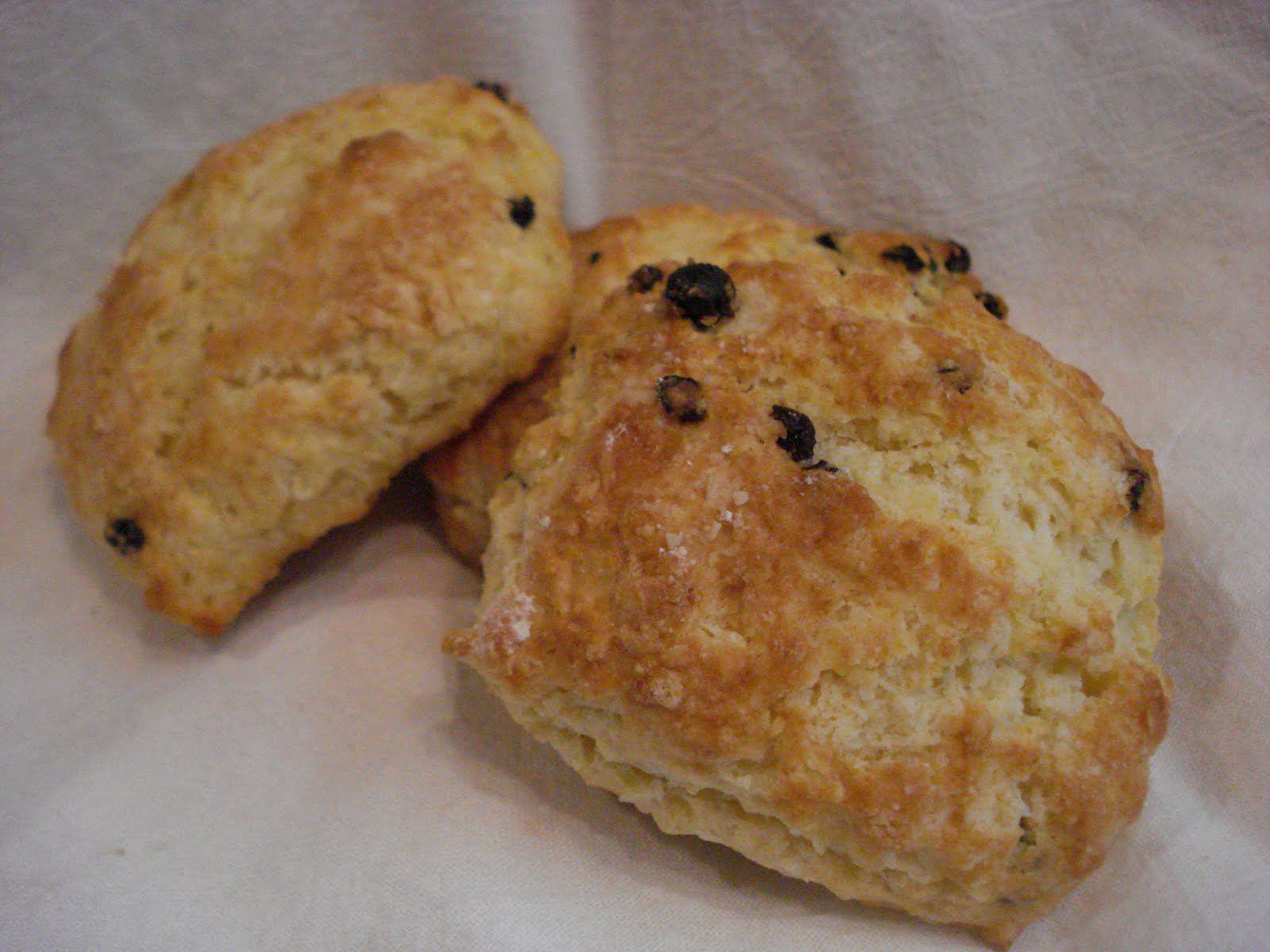 The Cookie Scoop: Buttermilk Lemon Currant Scones