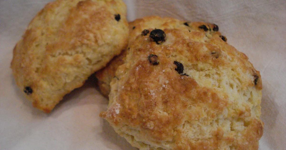 The Cookie Scoop: Buttermilk Lemon Currant Scones