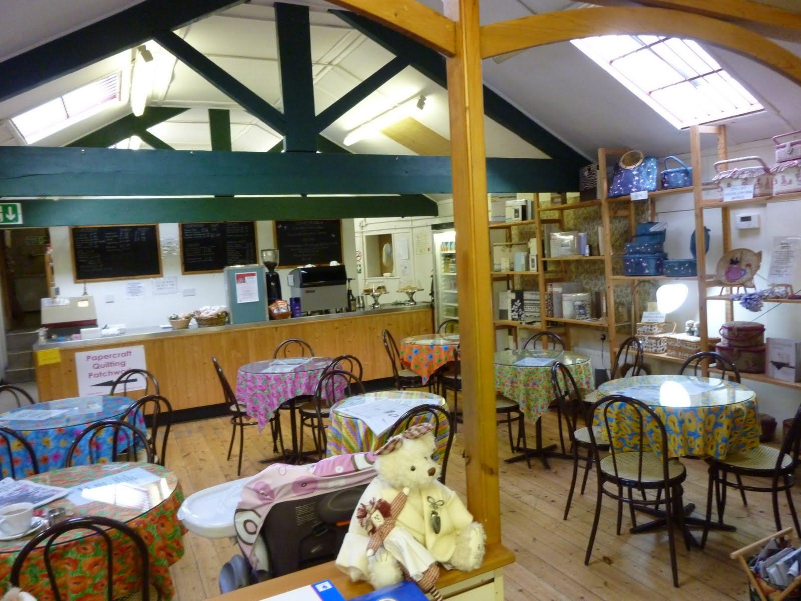 http://2.bp.blogspot.com/_SY57OkKyKu0/TL4I-O-tZ9I/AAAAAAAAAbU/_wO3d-T6U6Y/s1600/cafe+embsay+mills+skipton.JPG