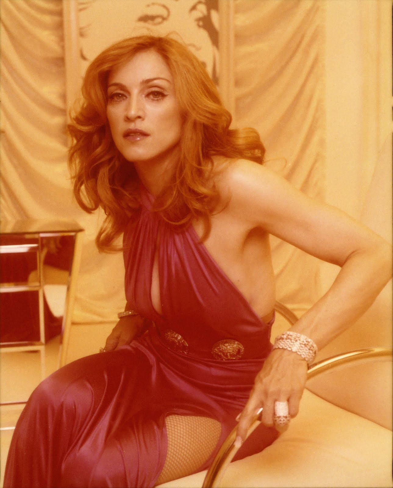 http://2.bp.blogspot.com/_S_fYtG5kOQo/TEnF_pVAEZI/AAAAAAAAAII/1HFYDDXKt0Y/s1600/2005+-+Madonna+by+Steven+Klein+for+Confessions+on+a+Dance+Floor+-+t2+49-7.jpg