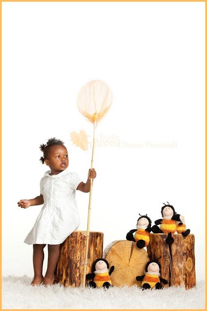fotostuudio Fotopesa- tüdruk mesilastega