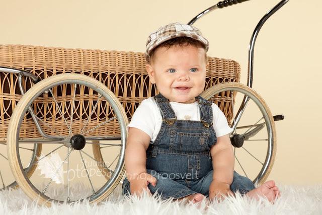 poiss istub vankri ees- fotostuudio Fotopesa