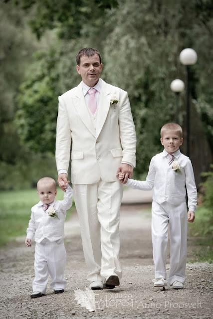 pulmafoto- isa ja pojad
