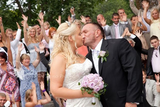 pruutpaari suudlus