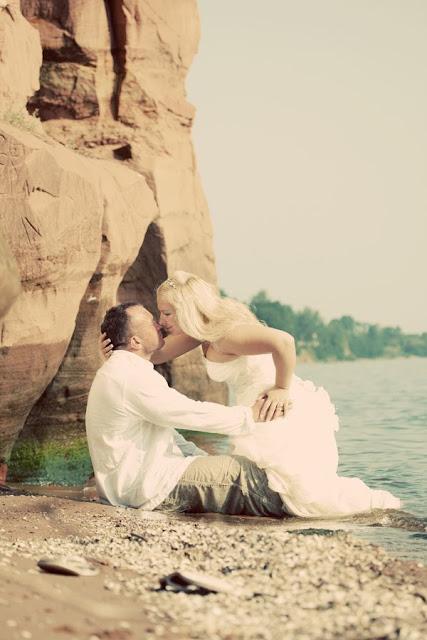 pruutpaar rannas