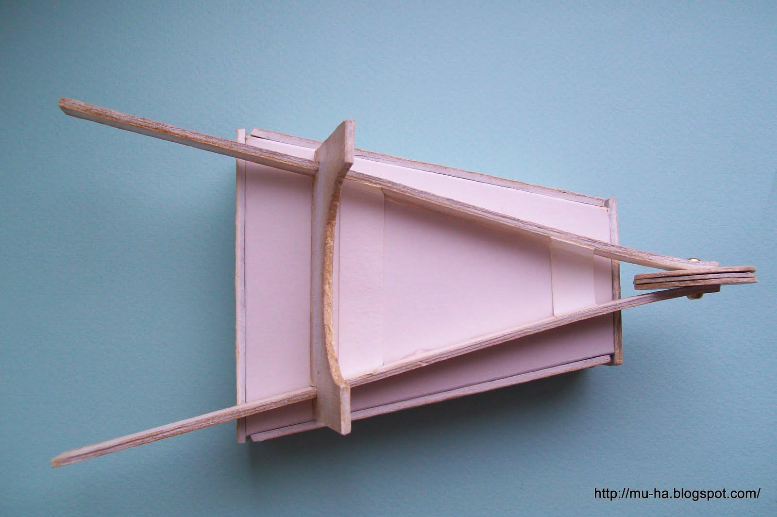 Эту тележку можно сделать из кусочков картона и фанеры.  Мастер-класс и схема - под катом. и видео на самую разную...