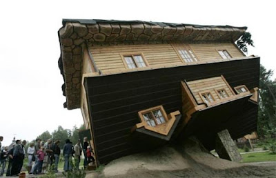 Upside+down+house+in+Poland