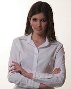 Blusa de gasa para llevarla durante el día en un equipo formal. blusa de modamaria vazquez verano