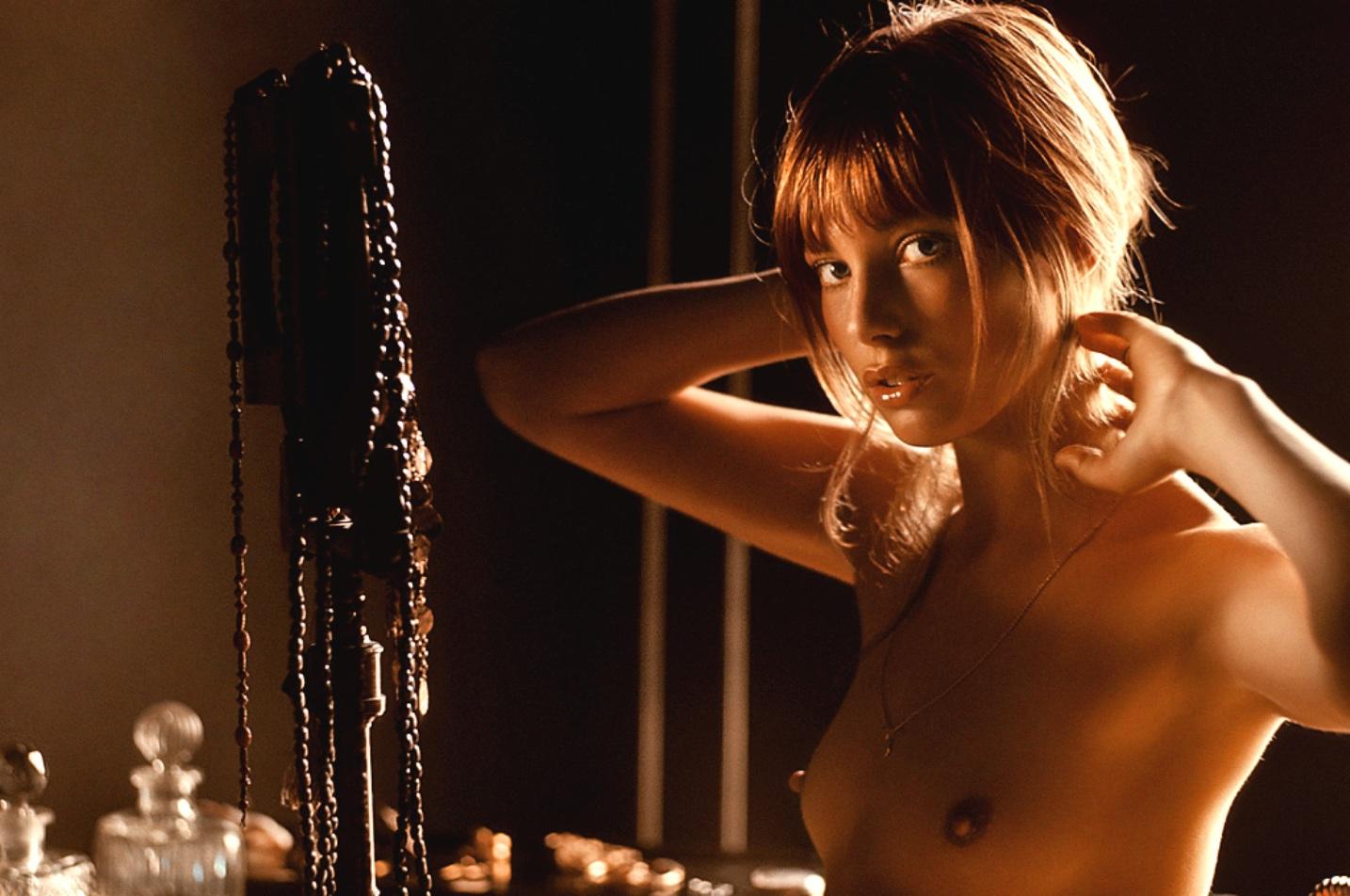 http://2.bp.blogspot.com/_ShAlbdQYb4w/TTgeB8ewyVI/AAAAAAAAXIg/vHWLam-Tp4U/s1600/jane+Birkin+1970.jpg