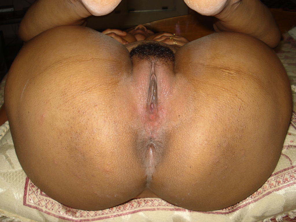 black girl bent over showing her pussy