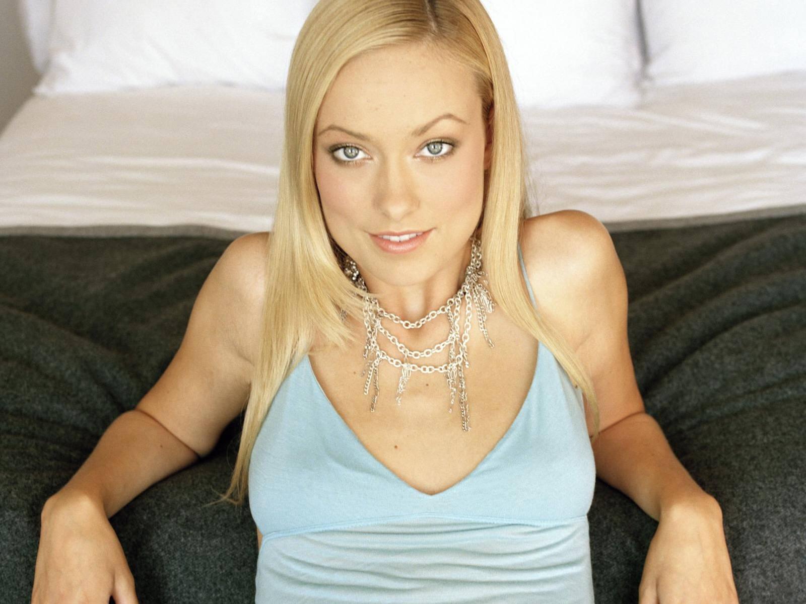 http://2.bp.blogspot.com/_Si7zjQmZnm4/Syp2DpM3lCI/AAAAAAAAGDM/AVAW8PMyXAI/s1600/Fullwalls.blogspot.com_Olivia_Wilde(55).jpg