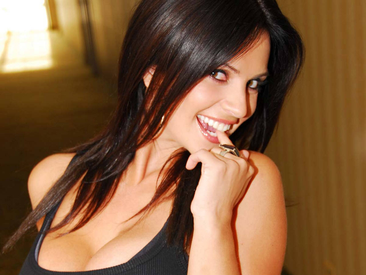 Denise Milani Hot Wallpapers Choosing Best Hairstyles Zona