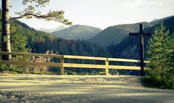 Scharnitz Gedenkkreuz Gleirschhöhe, Blick Richtung Nordkette Karwendel