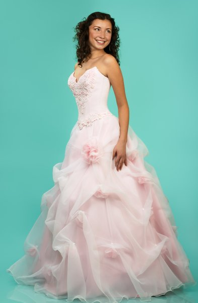 EXECUTIVES WEDDING DRESSES Natural Bright Wedding Dress