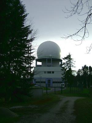 Radarska postaja sa stražnje staze