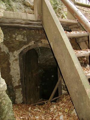 Ulaz u rudnik u rupi