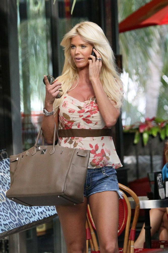 hermes bags and wallets - BIRKIN WATCHER: Victoria Silvstedt