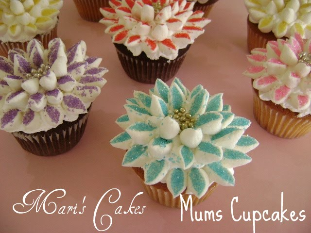 How To Make Flower Basket Cupcakes : Wicker basket cake and decorated flower cupcakes mari s