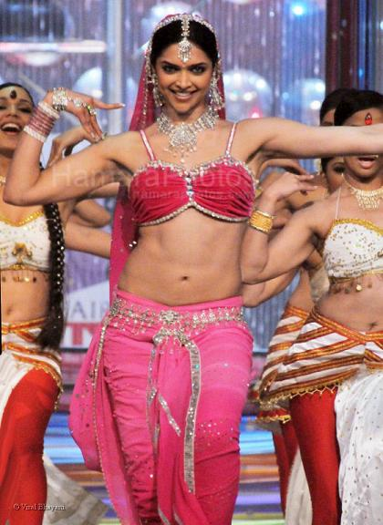 Deepika Padukone Hot And Sexy Navel Pics