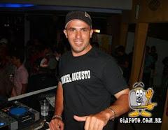 Precisando de um DJ para animar a sua festa? www.djdanielagusto.com.br