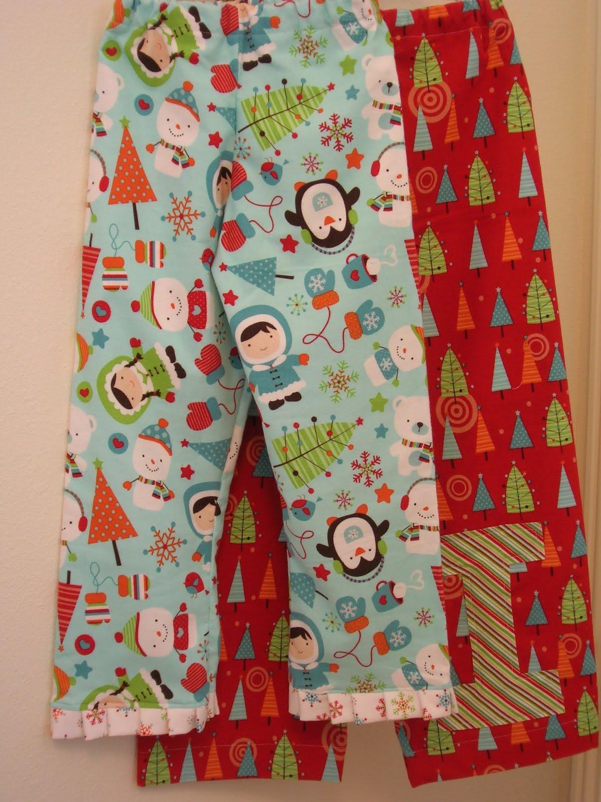 Pajamarama Men/'s That/'s How We Roll Christmas Pajamas