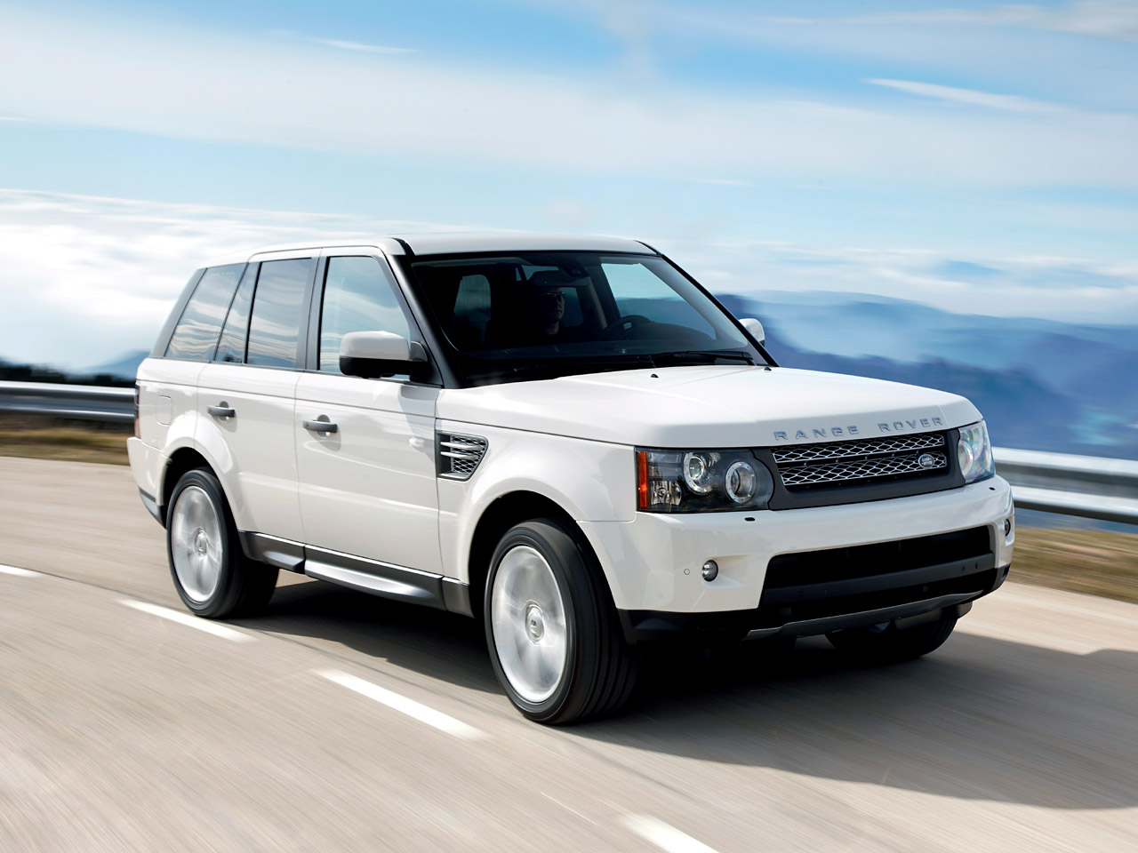 gambar land rover range rover sport supercharged 2010 gambar wallpaper mobil sport. Black Bedroom Furniture Sets. Home Design Ideas