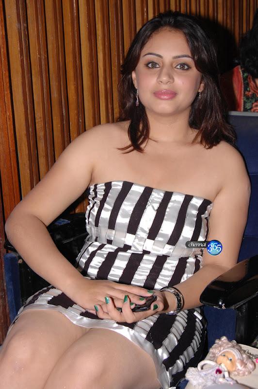 Appavi Movie Actress Suhani Kalita Hot Pictures Photos