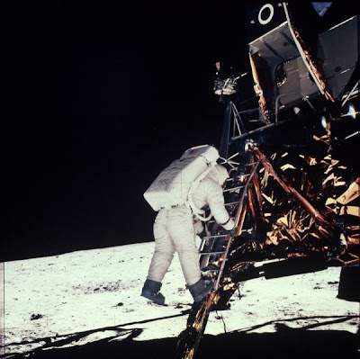 all photos and videos from apollo moon landing - photo #15