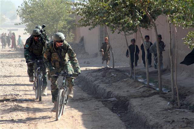 Воени велосипеди  - Page 3 Bicycle+in+war+3