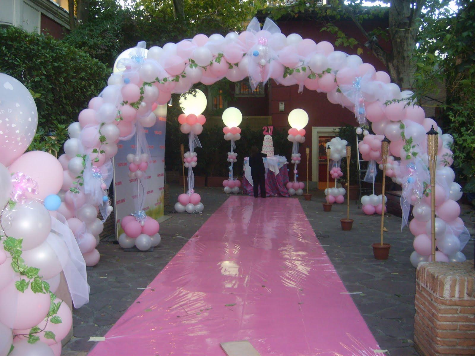 Decoracion con globos y articulos de fiesta for Decoracion para pared con globos